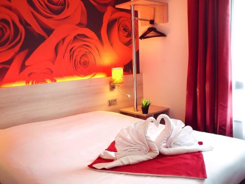 Brit Hotel Essentiel de Granville : Hotel near Hudimesnil