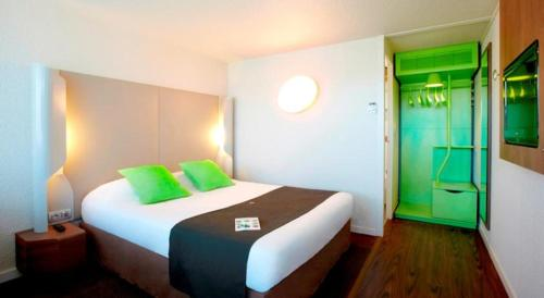 Campanile Chartres : Hotel near Hanches