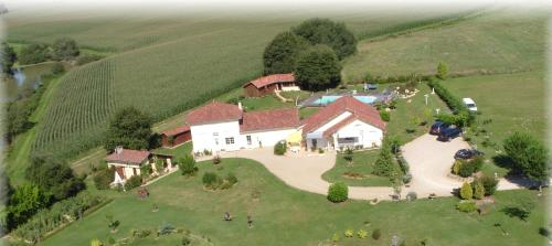 Domaine de La Méniguère : Guest accommodation near Eugénie-les-Bains