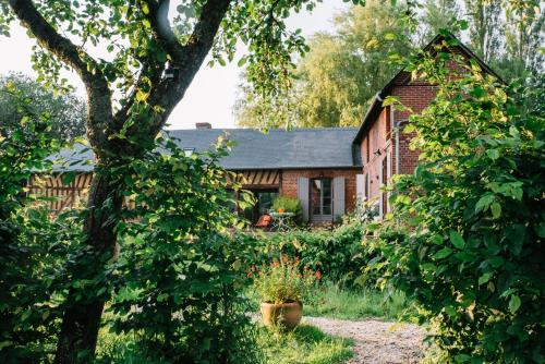 Le Pré Doré : Bed and Breakfast near Saint-André-d'Hébertot