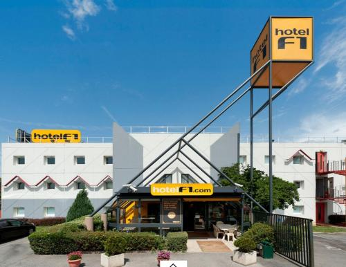 hotelF1 Sarcelles : Hotel near Gonesse
