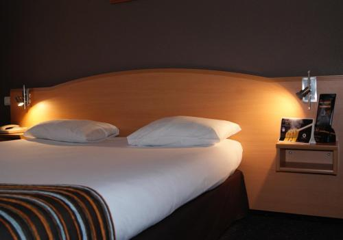 Kyriad Sète - Balaruc : Hotel near Poussan