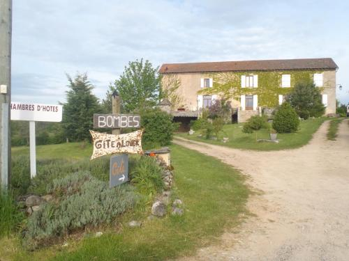 chambres du Domaine de Bombes : Bed and Breakfast near Le Recoux