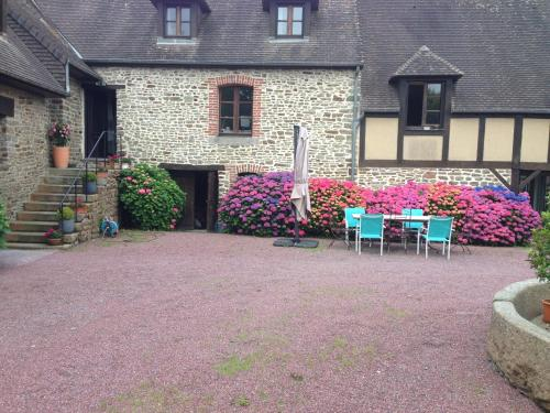 Au Bord Des Grèves : Bed and Breakfast near Avranches