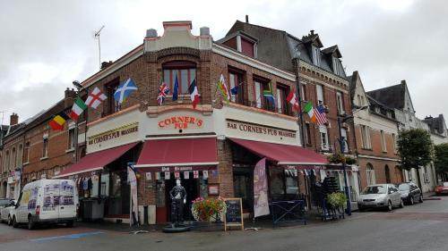 le corner's pub : Apartment near Varennes