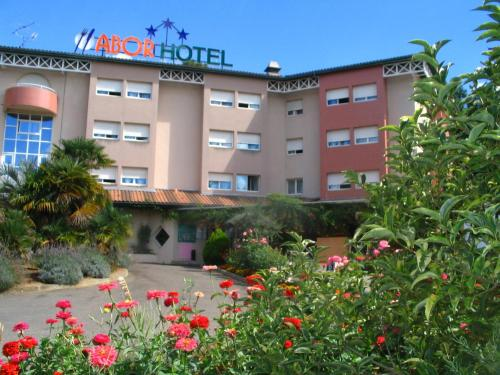 Hotel Abor : Hotel near Bougue