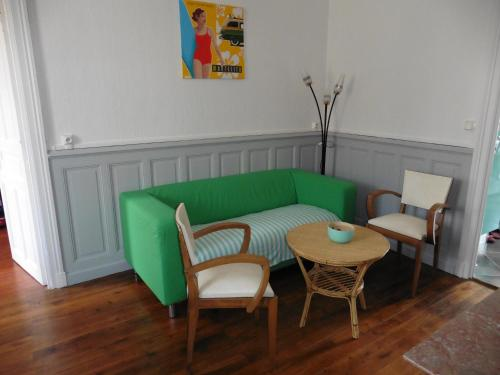 60's corner : Apartment near Aubigny