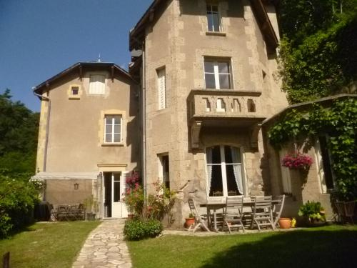Villa St. Hubert : Bed and Breakfast near Grandeyrolles