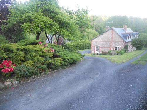 La Cour du Pressoir : Bed and Breakfast near Fourneville