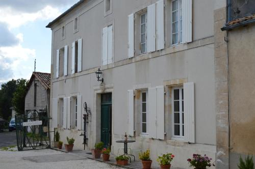 La Vieille Distillerie : Bed and Breakfast near Saint-Vallier