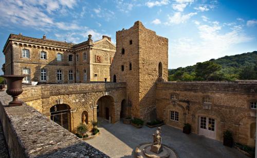 Château de Rochegude - Relais & Châteaux : Hotel near Lagarde-Paréol