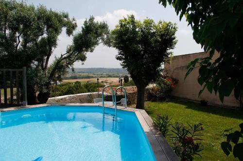 Roujan : Guest accommodation near Pouzolles