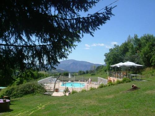 Gite/Hotel Pension Rolland : Hotel near Saint-Vincent-les-Forts