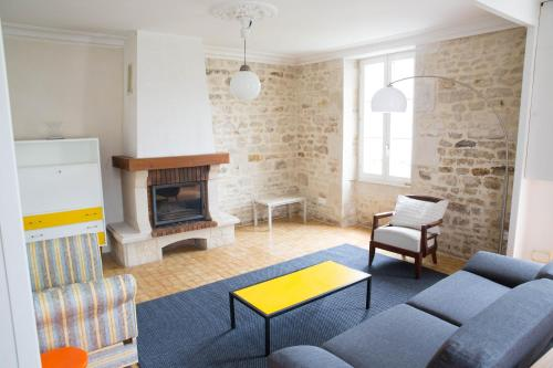 A la Maison du Soleil : Guest accommodation near Charron