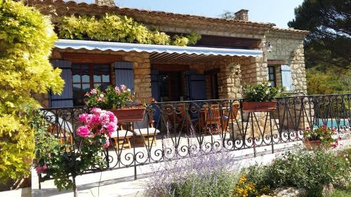 Le Mas de l'Aube : Guest accommodation near Rustrel
