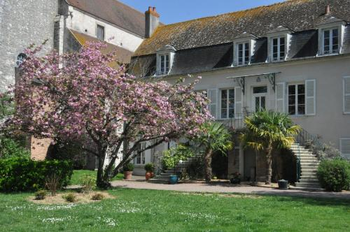 Le Prieuré Saint Agnan : Guest accommodation near Couloutre