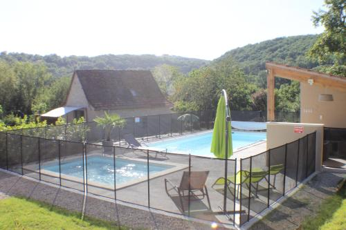 A l'Oree des Cazelles : Guest accommodation near Montbrun