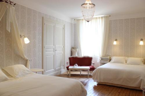 Hôtel De La Providence : Hotel near Saint-Alyre-ès-Montagne