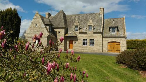 La Demeure du Castel : Bed and Breakfast near Rospez