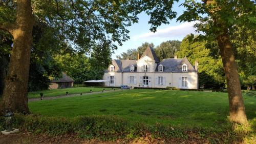 Domaine De Chatenay - Le Mans : Hotel near Souligné-Flacé