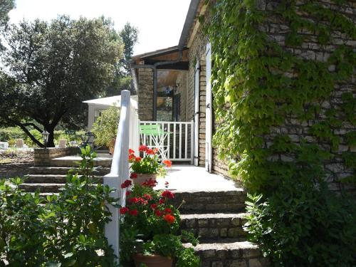 Les chambres d'Adeline - B&B : Bed and Breakfast near Murs