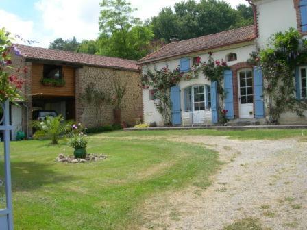 Le Grenier : Guest accommodation near Moncaup