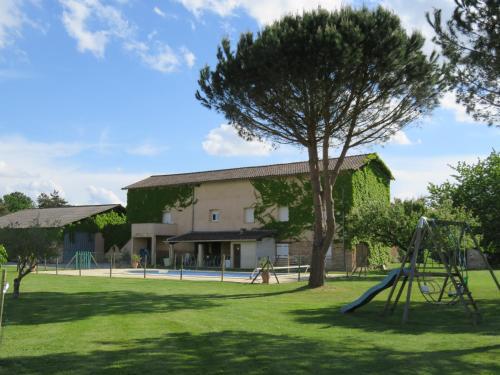 Gîtes de La Carrétarié : Guest accommodation near Belcastel