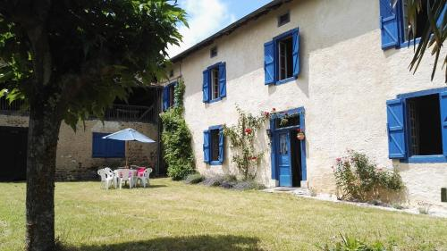 La Villa Bleue : Bed and Breakfast near Betpouy