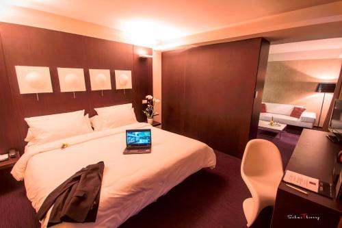 Le Rex Hôtel : Hotel near Azereix