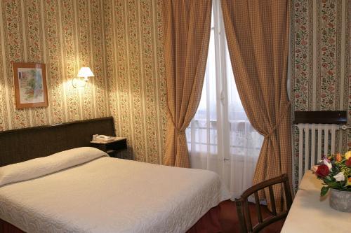 Hotel Clément : Hotel near Paris 6e Arrondissement
