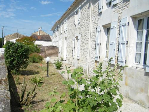 Ma Cagouille : Bed and Breakfast near Rioux