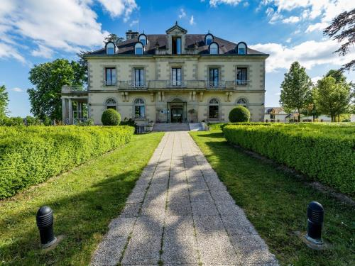 Garrigae Manoir de Beauvoir Poitiers Sud : Hotel near Bignoux
