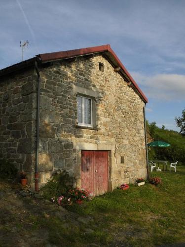 Gîte Du Châtaignier : Guest accommodation near Sauvessanges