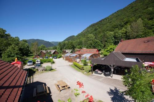 Auberge et Chalets de la Wormsa : Guest accommodation near Metzeral