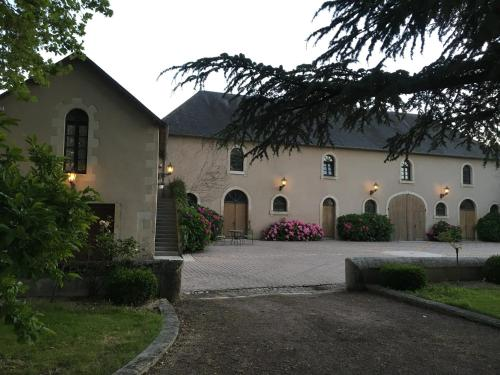 Groom's Cottage at Chateau l'Hubertiere : Apartment near Vernon