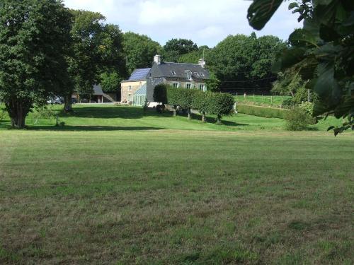 Le Clos du Val : Bed and Breakfast near La Barre-de-Semilly