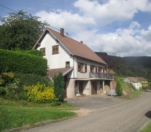 le gutty : Guest accommodation near Lutzelhouse
