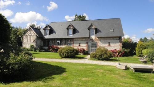 Le Grand Pressoir : Guest accommodation near Fourneville