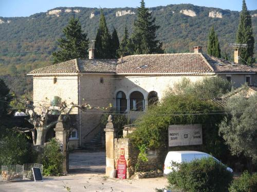 Domaine Chanoine Rambert : Bed and Breakfast near Saint-André-d'Olérargues