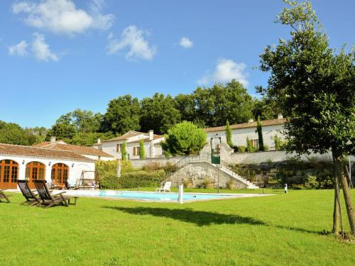 La Malle Poste : Guest accommodation near Segonzac