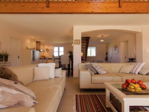 Villa La Haute Prèze 29 Près De La Dordogne : Guest accommodation near Chasseneuil-sur-Bonnieure