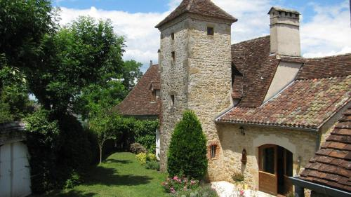 Manoir de Rieuzal : Bed and Breakfast near Loubressac