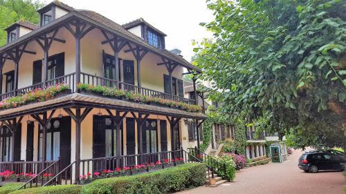 Hostellerie Du Moulin Des Ruats : Hotel near Saint-Germain-des-Champs