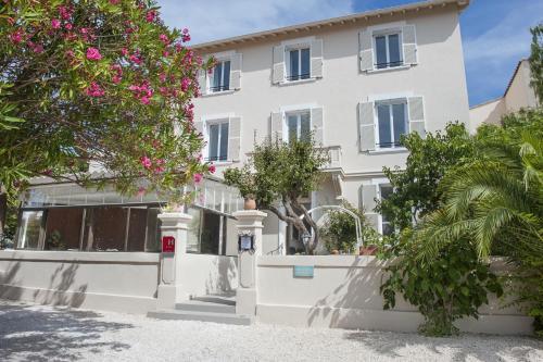 Hotel La Bienvenue : Hotel near La Croix-Valmer