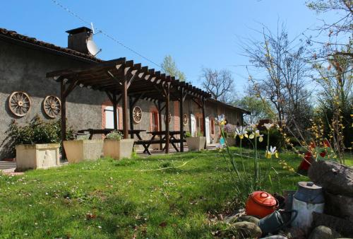 La Plaine Enchantée : Bed and Breakfast near Montgazin