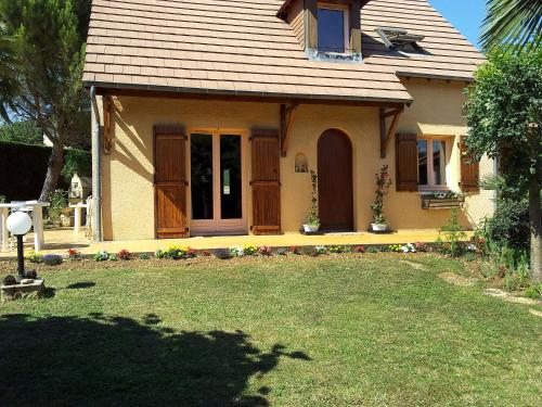 Holiday Home Villa Cocoon : Guest accommodation near Payrignac