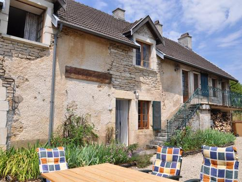 Holiday Home Shangri-la : Guest accommodation near Boux-sous-Salmaise