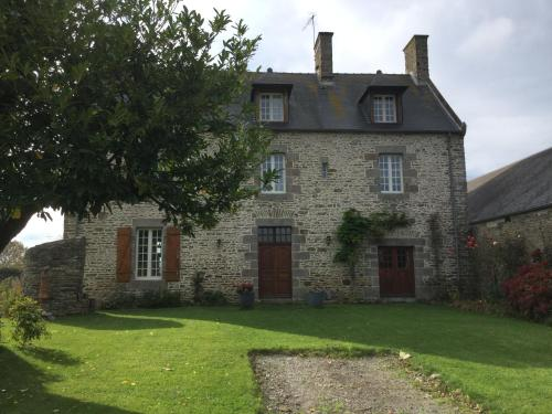 L'ancien Presbytère d'Ardevon : Bed and Breakfast near Tanis