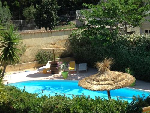 Hôtel Les Mimosas : Hotel near La Londe-les-Maures