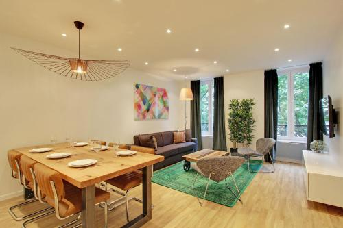 Pick a Flat - Champs Elysees / Percier Apartment : Apartment near Paris 8e Arrondissement